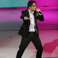 """Foto Nicoloro G. 25/02/2012 Milano Trasmissione televisiva su Rai3 """" Che tempo che fa """" condotta da Fabio Fazio. nella foto Samuele Bersani"""