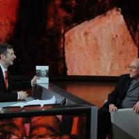 """Foto Nicoloro G. 26/02/2012 Milano Trasmissione televisiva su Rai3 """" Che tempo che fa """" condotta da Fabio Fazio. nella foto Fabio Fazio – Carlo Verdone"""