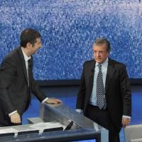 """Foto Nicoloro G. 26/11/2011 Milano Trasmissione televisiva su Rai3 """" Che tempo che fa """" condotta da Fabio Fazio. nella foto Fabio Fazio – Massimo Mucchetti"""