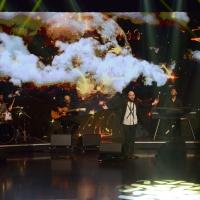 Foto Nicoloro G.  27/09/2015   Milano  Trasmissione televisiva su Rai 3 ' Che tempo che fa '. nella foto il cantautore Giuliano Sangiorgi con la sua band i ' Negramaro '.