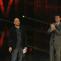 """Foto Nicoloro G. 29/10/2012 Milano Trasmissione televisiva su Rai3 """" Che tempo che fa """" condotta da Fabio Fazio. nella foto Roberto Saviano – Fabio Fazio"""