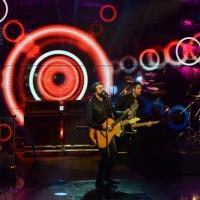 """Foto Nicoloro G.  01/02/2014  Milano    Trasmissione televisiva su Rai3 """" Che tempo che fa """". nella foto il musicista Omar Pedrini e la sua band."""