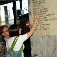 Foto Nicoloro G.  02/08/2014  Bologna    34esimo anniversario della strage alla stazione di Bologna. nella foto parenti davanti alla lapide con i nomi delle vittime.
