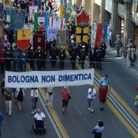 Foto Nicoloro G.  02/08/2015   Bologna   Trentacinquesimo anniversario della strage alla stazione di Bologna. nella foto striscioni, bandiere e gonfaloni lungo il corteo.