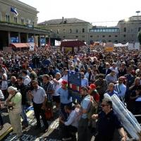 Foto Nicoloro G.  02/08/2015   Bologna   Trentacinquesimo anniversario della strage alla stazione di Bologna. nella foto una veduta della piazza della stazione gremita di gente.