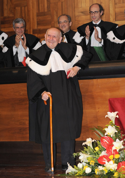 Laurea honoris causa – Julien Ries
